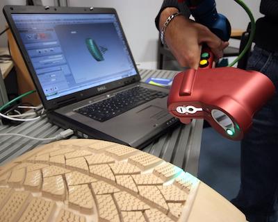 ramię pomiarowe z głowicą laserową