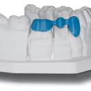 dental-3unit-bridge-on-model-solidscape-400px